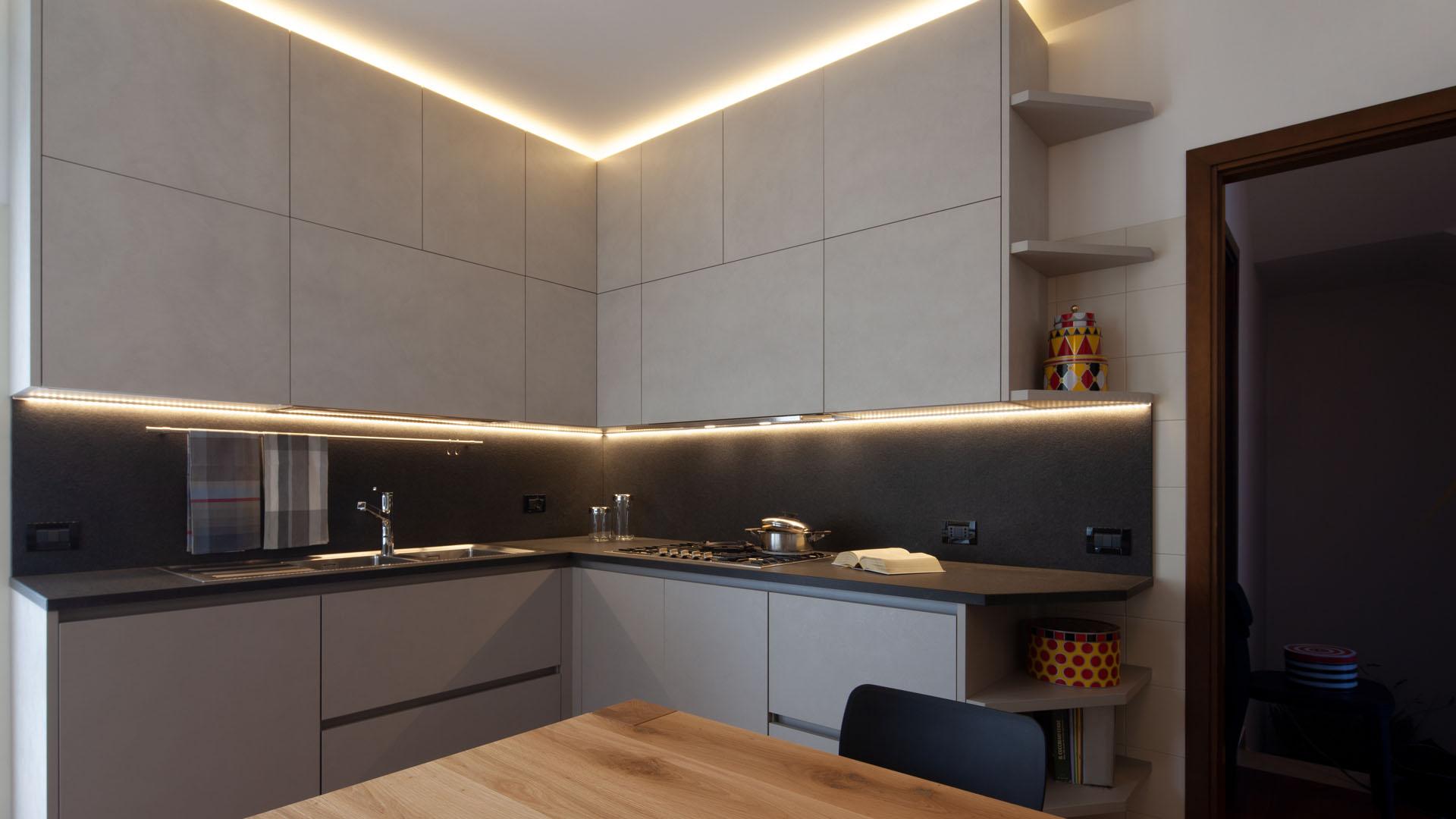 cucina moderna di design su misura ad angolo euromobil