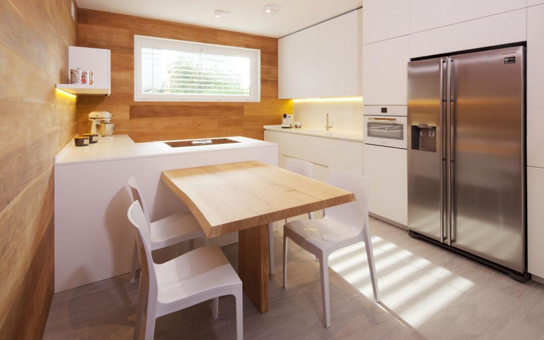 Cucina dagli spazi esigui, ma massima funzionalità